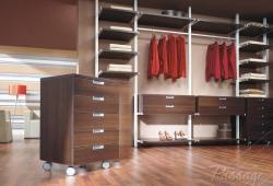 Полки и гардеробные комнаты на заказ для магазинов