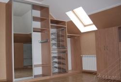Гардеробная комната для мансарды по индивидуальным размерам
